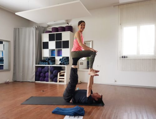 Erster Acro Yoga Workshop im Freiraum